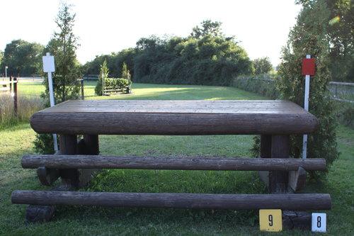 Fence 9 - Tisch