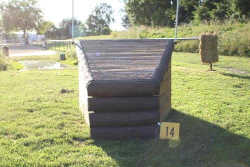 Fence 14 - Arrowhead vorm Wasser