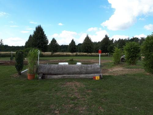 Fence 15 - Wassereinsprung