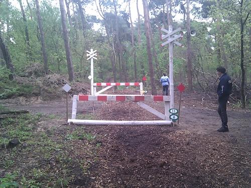Fence 11 - Spoorwegovergang