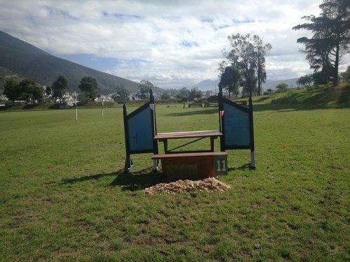 Fence 11 - Mesa de picnic