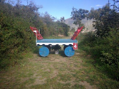 Fence 4 - Carreta azul