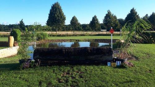 Fence 11 - Wassereinsprung