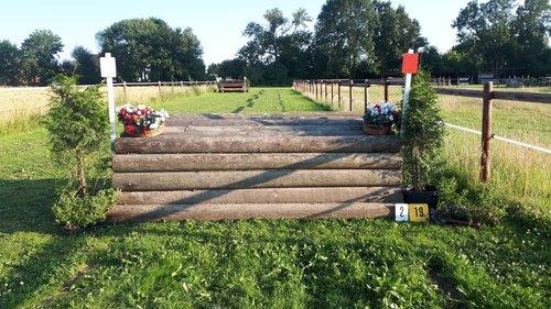 Fence 2 - Mastentisch