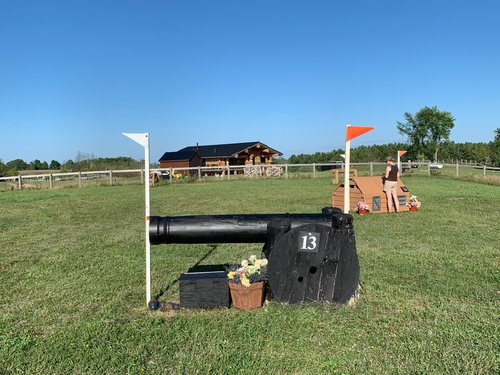 Fence 13 - Cannon