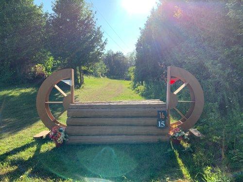Fence 15 - Wagon Wheel Roll Top