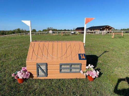 Fence 14 - Mini Cabin