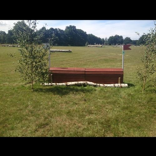 Fence 4 - Röd låda