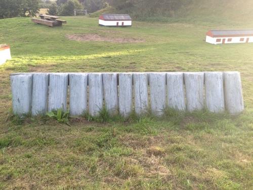 Fence 8 - Palisadevæg